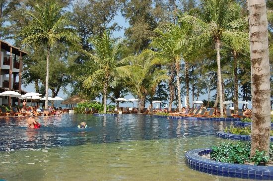 Sunwing Bangtao Beach: different angle of one of the pools