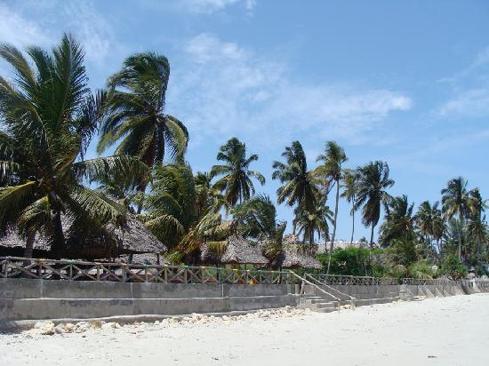 Bagamoyo, Τανζανία: Paradise Resort from beach