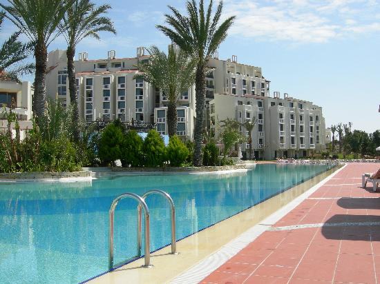 SENTIDO Perissia: Main Pool - spotless