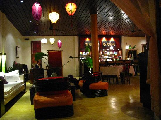 The Apsara : Reception and bar