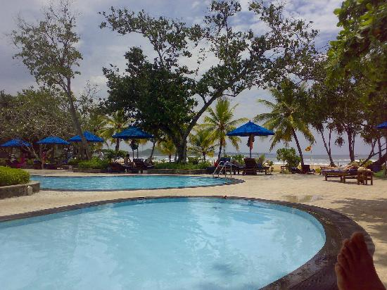 The Palms Hotel: another view of the pool