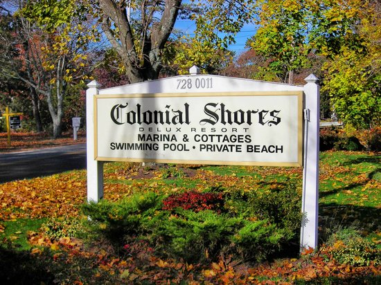 Colonial Shores Resort: Hampton Bays,NY