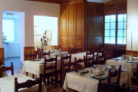 Hôtel de la Nouvelle Couronne : Breakfast area
