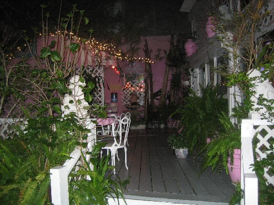 New Orleans Guest House: Beautiful Courtyard