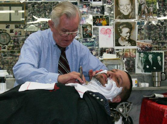 Floyd's City Barbershop : My husband in Heaven