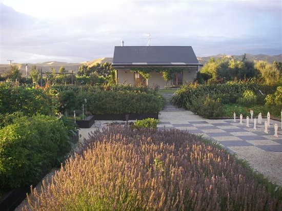 South Island, New Zealand: Strawberry Cottage where we stayed