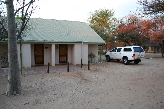 Otjibamba Lodge: One of the buildings with 3 rooms
