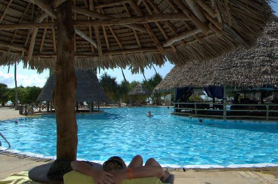 Neptune Pwani Beach Resort & Spa: Pool