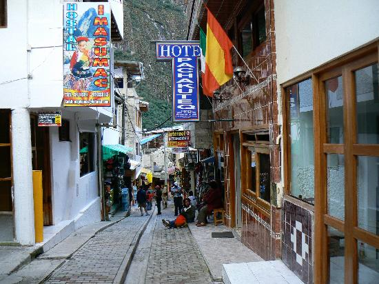 Hotel Pachacuteq : from the street
