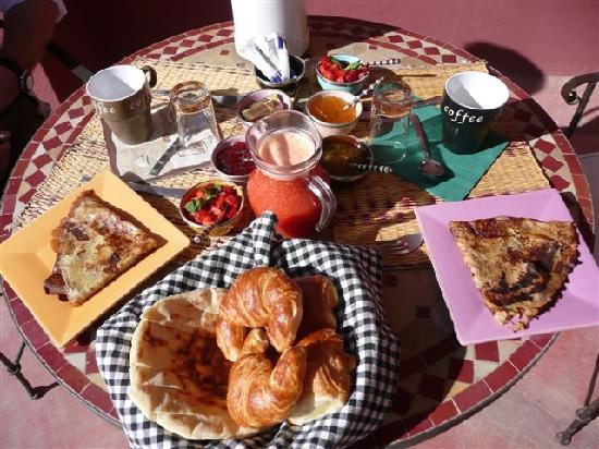 Petit déjeuner ! - Page 4 Le-petit-dejeuner-un