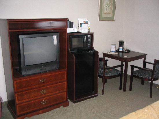 Quality Inn: Inside our room at Comfort Inn