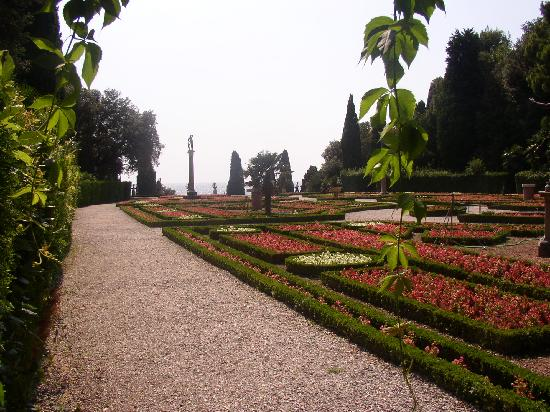 Castello di Miramare - Museo Storico: Lovely gardens and great views.