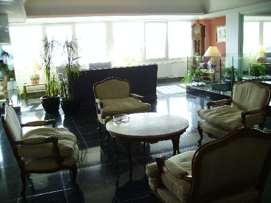 Hotel Avenida: Une partie du hall de réception