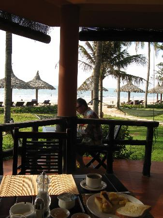 The Beach Resort, breakfast