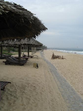 ذا بيتش ريزورت: The Beach Resort, beach