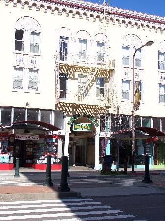 Nash Hotel: Exterior