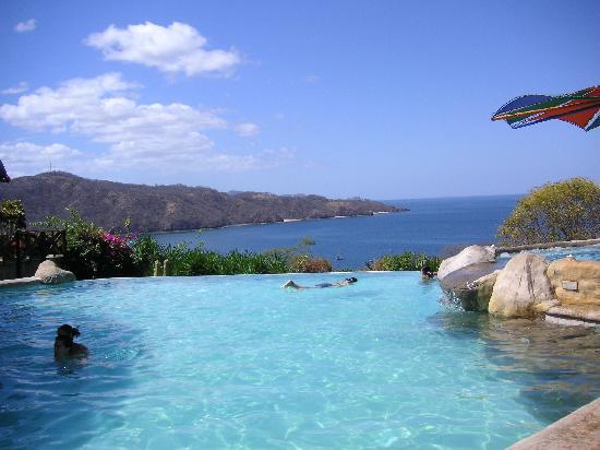 Condovac la Costa: infinity pool