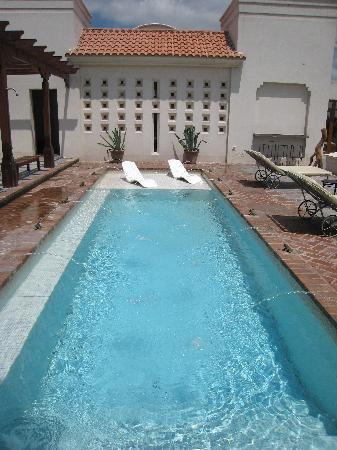 Cavas Wine Lodge: the pool in front of the spa
