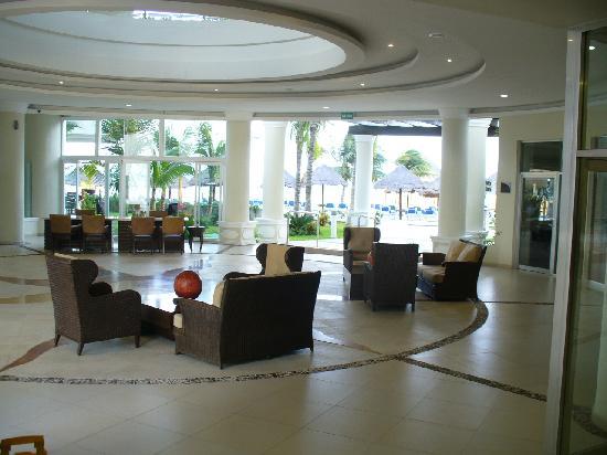 Isla Mujeres Palace: lobby