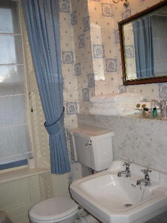 Ardtara Country House: The bathroom