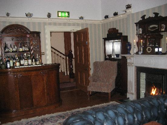 Ardtara Country House: The sitting room where dinner was served