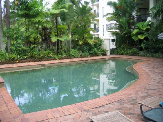 Tropic Towers Apartments: pool