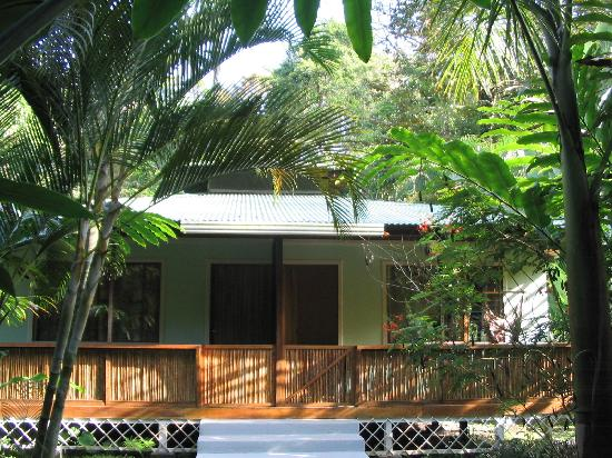 El Colibri Lodge: Front view of cabin