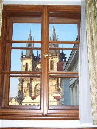 Grand Hotel Praha: la chiesa vista dalla finestra dell'hotel