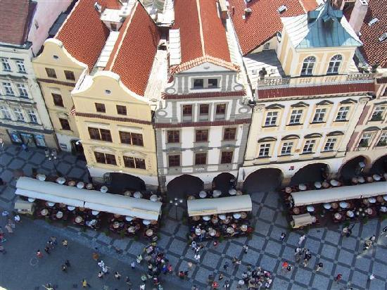 Grand Hotel Praha: l'hotel visto dalla torre dell'orologio
