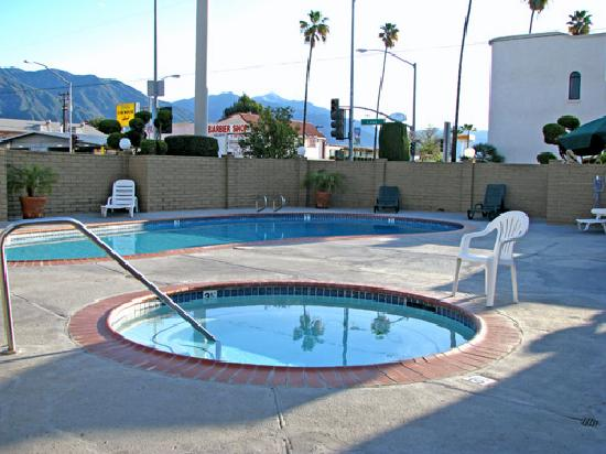 Best Western Pasadena Inn : pools