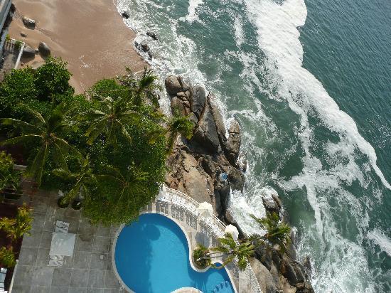 Holiday Inn Resort Acapulco: vue plongeante sur la piscine