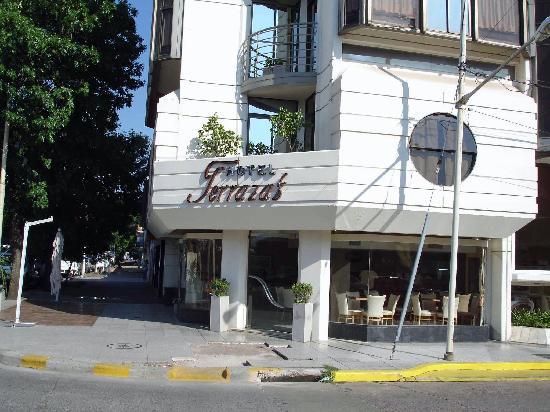 Terrazas Hotel: Restaurant entrance. Sidewalk is under construction