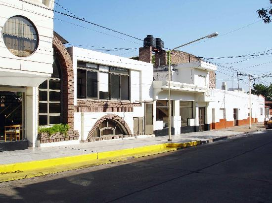 Terrazas Hotel: Attached building at Hotel terrazas. Covered parkeing available