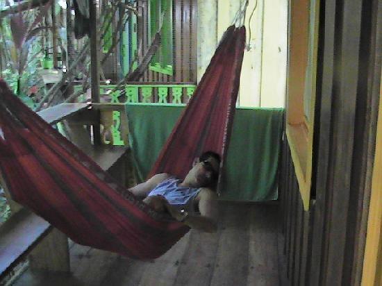 Playa Chiquita Lodge: Descansando en la hamaca del cuarto