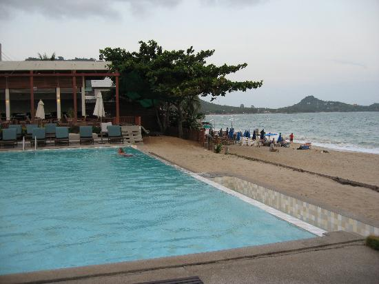 Lamai Wanta: The Pool, next to the beach - WOW!