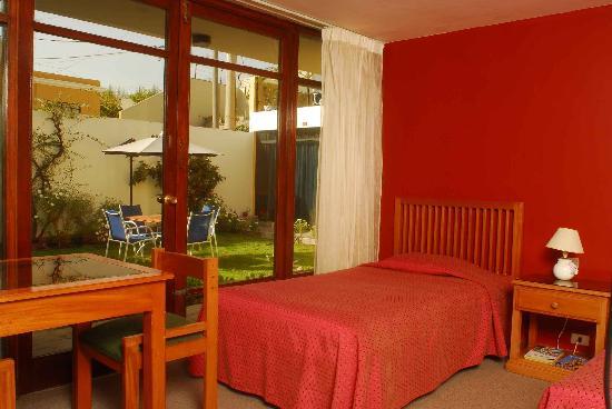 La Gruta Hotel: room