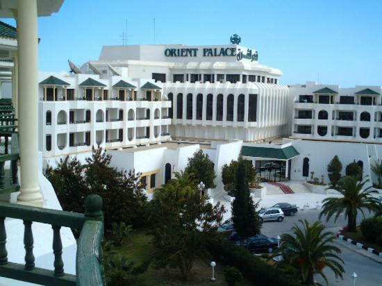 Orient Palace Hotel: Hotel Front