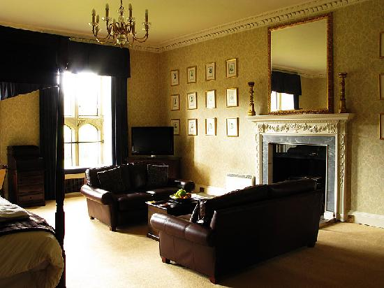 Warner Leisure Hotels Littlecote House Hotel: Henry V111 suite