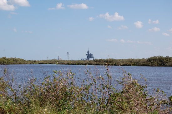Titusville, Flórida: Launch Complex from Merritt Island Wildlife Refuge