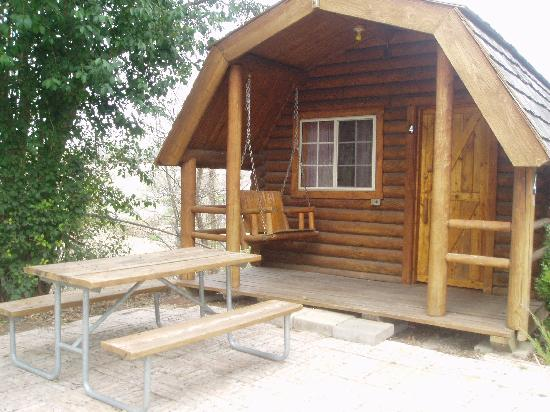 San Antonio KOA Campground: Kabin #4