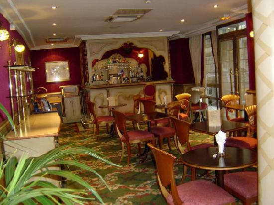 Villa Eugenie: Lounge/bar area