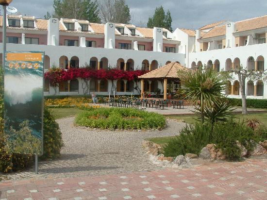 Golden Club Cabanas: Reception