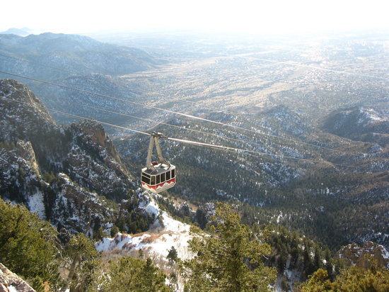 Sandia Peak Tramway: View of the tram headed back down