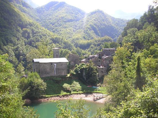 Isola Santa, İtalya: panorama dalla diga
