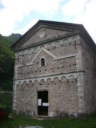 Antico Borgo Isola Santa: chiesa non agibile