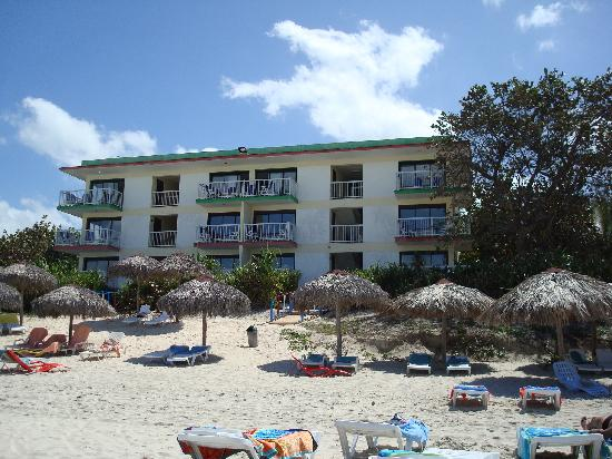 Hotel Club Tropical: view from our beach chair of the kitchenette building