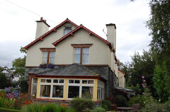 The Coppice Guest House: Another look outside