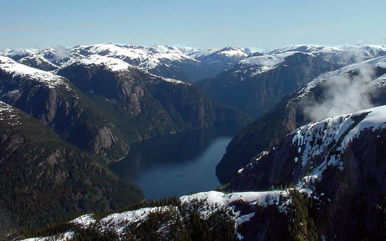 Island Wings Air Service: beautiful fjords