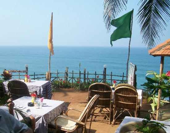 Bamboo Village: Cliff top restaurant views at Varkala