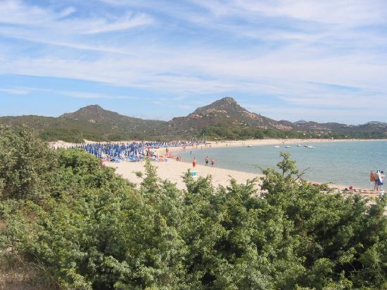 iGV Club Santagiusta: la spiaggia vista dalla collina di fianco al villaggio